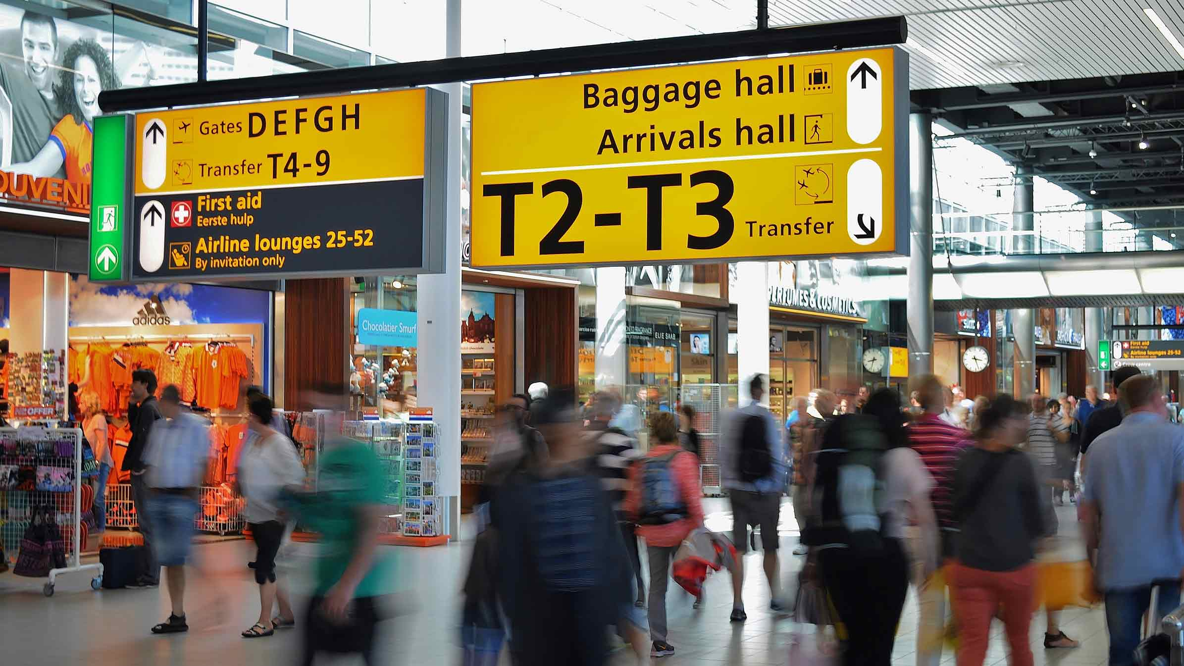 Airport-Amsterdam-Blurred-People-Walking